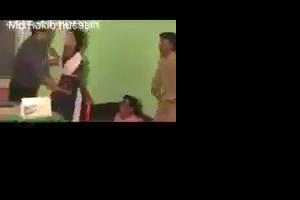 पुलिस वाले ने लड़की के बाप की मौजूदगी में रेप किया