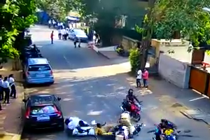 Beat Marshals knocked down by rough bike riders the incident happened - at Shivaji Park,Dadar