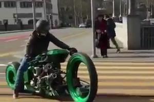Crazy bike Riding