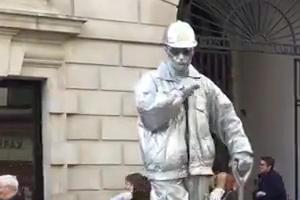 Street Artist Covent Garden