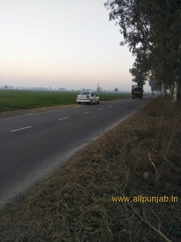 Car on Road - Punjab Images